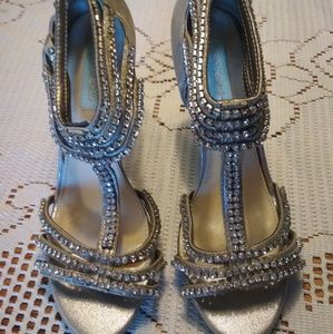 Betsey Johnson Heels 6.5 NWOB